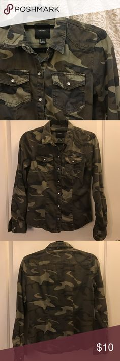 "Forever 21 Camo Top Forever 21 Camo Top, Snap Up Front, Snaps On Sleeve Ends And Also Midway Up To Roll Sleeves And Snap In Place, 100% Cotton, Machine Wash, Looks Great Buttoned Up or Worn Open w/ Tank or Tee Underneath | 23"" Length Back, 24"" Length In Front 