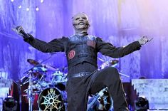 "Slipknot divulga vídeo da performance de ""Killpop"" gravada por fãs #Banda, #Disco, #Noticias, #Show, #Slipknot, #Vídeo, #Youtube http://popzone.tv/2017/01/slipknot-divulga-video-da-performance-de-killpop-gravada-por-fas.html"