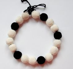Breastfeeding+necklace+White+and+black+from+MiracleFromThreads++by+DaWanda.com