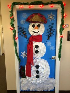 Snowman Christmas Decor for door using white plastic cups!