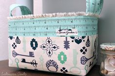 Fabric Basket by Saltwater Quilts, via Flickr