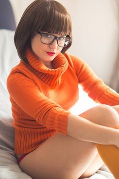 COSPLAY: Zoinks! Echidna As Sexy VELMA From SCOOBY-DOO