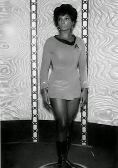 Star Trek Prop, Costume & Auction Authority: Nichelle Nichols - A Rare and Artistic Photo Study Behind The Scenes On The TOS Soundstage