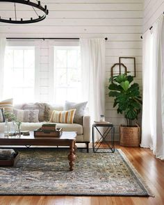 Using Modern Farmhouse Living Room Joanna Gaines - thehomedecores Rugs In Living Room, Home And Living, Living Room Designs, Living Spaces, Modern Living, Small Living, Living Room White Walls, Minimalist Living, Estilo Joanna Gaines
