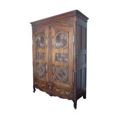 <ul> <li>Height: 225 cm</li> <li>Width: 159 cm (widest point - cornice)</li> <li>Depth: 65 cm</li> <li>Antique oak armoire</li> <li>From St Malo</li> <li>Early to mid century</li></ul> Retro Furniture, Antique Furniture, French Armoire, Cornice, Mid Century Furniture, 18th Century, Knight, Carving, Antiques