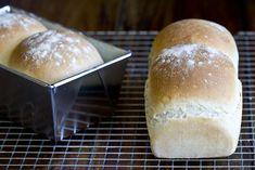 Receta de pan de molde casero del panadero Iban Yarza. Receta sencilla con la que obtener unas rebanadas de pan con miga tierna, suave y esponjosa.