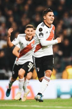 Juan Quintero of River Plate celebrates after scoring his team's second goal during the second leg of the final match of Copa CONMEBOL Libertadores 2018 between Boca Juniors and River Plate at. Get premium, high resolution news photos at Getty Images Sport Man, Lionel Messi, History Facts, Neymar, Scores, First Time, Madrid, Spain, Celebrities