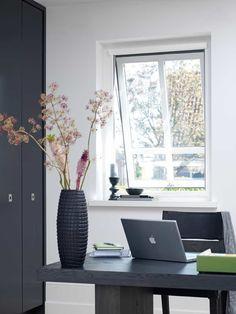 Last van de wintermug? Raamhorren | de ruimste collectie horren vind je bij Thuisin. Blinds, Windows, Curtains, Voordelen Van, Home Decor, Decoration Home, Room Decor, Shades Blinds, Blind