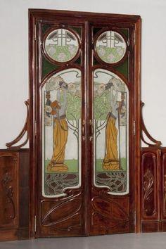 mooie dubbele deuren ergens op de bg of van de hal naar de woonkamer