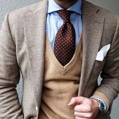 Easy preppy and classic #elegance  http://ift.tt/2rCF0B7 #camelshades