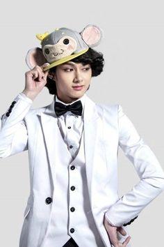 Image about cute in Jun by ємιяυѕє. Woozi, Wonwoo, Jeonghan, Wen Junhui, Seungkwan, Boy Groups, Kpop, My Love, Cute