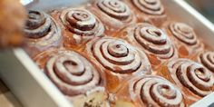 Cinnamon rolls with a vanilla-bourbon glaze Breakfast Items, Sweet Breakfast, Breakfast Dishes, Breakfast Recipes, Real Food Recipes, Cooking Recipes, Fall Recipes, Pimento Cheese Recipes, Best Cinnamon Rolls