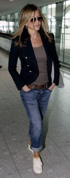 Jennifer Aniston. Cute, casual style.