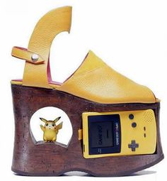 Wil je jouw Pikachu en je GameBoy nooit meer achterlaten? Met deze schoenen moet dat helemaal niet.
