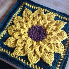 Suvi's Crochet: Sunflower Pillow and a Squared Circle