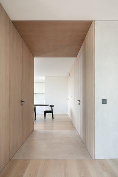 PP Apartment - Jorge Bibiloni Studio - Interior Design Mallorca Studio Interior, Home Interior Design, Interior Architecture, Interior Lighting Design, Plywood Interior, Interior Minimalista, Hallway Designs, Japanese Interior, Minimalist Interior