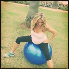 """Exercises that can help baby """"drop"""" down into place & ease back pain"""