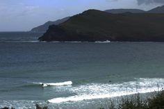 On se retrouve souvent entre amis pour deux semaines de vancances au bord de la mer comme ici a Pantine (Galicia espagne) Surfing is commonly what we do in the summer time. Here surf trip in Spain.