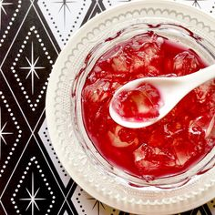 Diamond Pattern Paper Placemat, Red Wine and Ginger Ale Jelly モノトーンのダイヤ柄ペーパーランチョンマットとカクテル「キティ」風デザート♪