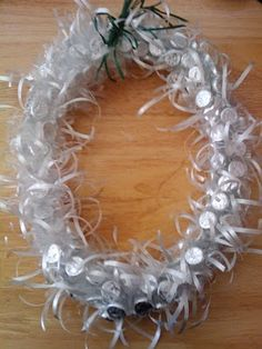 Graduation Lei - Hershey Kisses Instead of all WHITE curling ribbon. add your school colors Candy Necklaces, Candy Jewelry, Fun Crafts, Arts And Crafts, Ribbon Lei, Graduation Leis, Money Lei, Candy Bouquet, Grad Parties