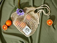Der Neuen : Gratis haakpatroon: het winkelnetwerk is terug! Ontwerper Susanne M . Knitting Patterns, Crochet Patterns, Diy Bags Purses, Plastic Items, Green Bag, Handmade Bags, Free Crochet, Crochet Bags, Bag Making
