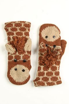 Giraffe Mittens -a cute idea for the grandsons. Mittens Pattern, Knit Mittens, Mitten Gloves, Knitting Projects, Knitting Patterns, Crochet Patterns, Mode Style, Yarn Crafts, Baby Knitting