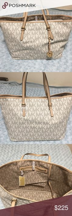 NWT Michael Kors Jet Set Travel Tote Vanilla NWT Michael Kors tote, price is pretty firm but Im willing to negotiate Michael Kors Bags Totes