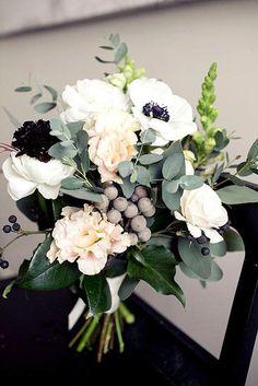 beautiful winter posy wedding bouquets 2