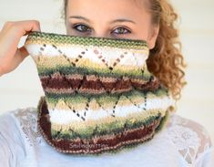 Chunky Cowl Hand Knit Cowl Chevron Knit Neck by SmilingKnitting