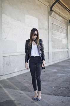 Jacket: KENNETH COLE Jeans: JBRAND Flats: ALDO Sunglasses: VALENTINO Crossbody: BOTKIER Necklaces: THE GIVING KEYS