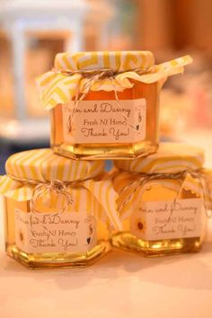 DIY Honey Favor - Photo by Ray Tomaro Photography
