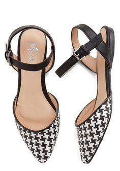 Fab Foot Forward Flat. Every fabulous step in these black and white flats seems to turn the sidewalk into a runway. #multi #modcloth