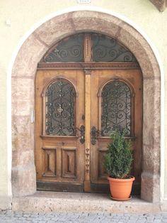 Haus Design: Doorways