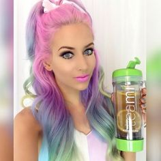 Obsessed with @amythemermaidx amazing mermaid hair ! She puts lemons  in her Teami Tumbler ☕️ to get an extra metabolism boost! #thanky