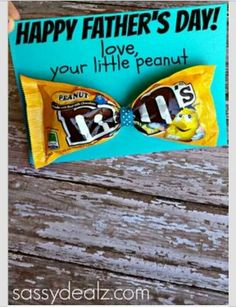 great idea for Father& Day ! so cute for father& day :) - great idea for Father& Day ! so cute for father& day :] Fathers Day Crafts, Happy Fathers Day, Fathers Gifts, Personalized Fathers Day Gifts, Fathers Day Ideas, Fathers Day Presents, Grandparent Gifts, Diy Father's Day Cards, Cool Cards
