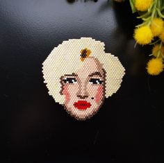 Marilyn Monroe Brooch Miyuki brick stitch pattern