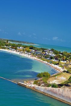 Bahia Honda State Park Florida (Note from Jeff- This is on the way to Key West-It is stunning-We Stopped to admire the views). Old Florida, Florida Usa, Florida Travel, Florida Keys, Florida Beaches, Fl Keys, West Florida, Vacation Destinations, Dream Vacations