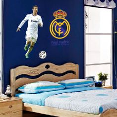 http://www.arab-bedroom.com/2014/04/blog-post_24.html Wall Decals For Bedroom, Wall Stickers Home, Football Bedroom, Boy Sports Bedroom, Soccer Bedroom, Kids Bedroom, Real Madrid Football Club, Ronaldo Real Madrid, Cristiano Ronaldo Wallpapers