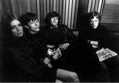 David Bowie y Feathers en Trident Studios (1969)