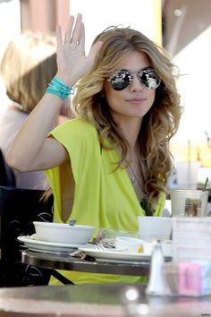 Gorgeous pic! Love her hair!!