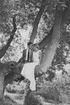 how romantic....but i cant imagine how to climb and go down from that tree..