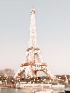Paris We share the best pairs of travel destinations, pay for travel destinations . - Paris We share the best pairs of travel destinations, pay for travel destinations … - Aesthetic Backgrounds, Aesthetic Iphone Wallpaper, Aesthetic Wallpapers, Gold Aesthetic, Travel Aesthetic, Aesthetic Collage, Aesthetic Vintage, Aesthetic Fashion, Photo Wall Collage