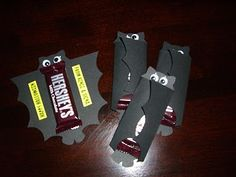 Bat Candy Bar Wrappers! Great work or kid's classroom Halloween gift!