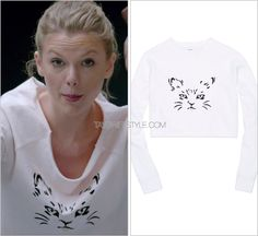 """""""Shake It Off"""" music video Aritzia 'Talula Adachi Sweater' - $55.00 $19.00 (sold out) Taylor opened up the """"Shake It Off"""" music video with a cute ballerina scene! Besides looking adorably fresh-faced,..."""