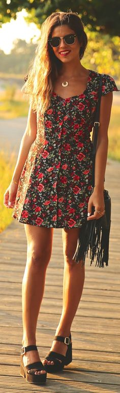 Love the cut at the top! Flattering.   Summer trends | Floral dress, sandals, handbag