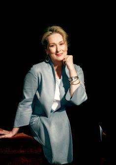 next presenter needs no introduction — Meryl Streep The Golden Lady, Maryl Streep, Stylish Older Women, Corporate Women, Diane Keaton, Helen Mirren, Idol, Prada, Matthew Mcconaughey