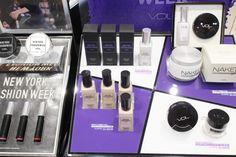 VDL X OPENING CEREMONY 콜라보레이션 (빠밤!) 이번에 9월 1일 부터 7일까지 뷰티위크 ... Cosmetic Display, Makeup Store, Hairspray, Sephora, Web Design, Eyeshadow, Make Up, Cosmetics, Wall