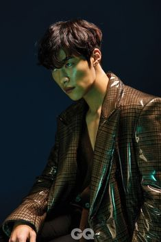 Darkly Attractive Woo Do Hwan for GQ Korea - The Best Handsome Boys Hot Korean Guys, Cute Asian Guys, Cute Korean Boys, Korean Men, Asian Boys, Asian Men, Chanyeol, Gq Magazine Covers, Gq Mens Style
