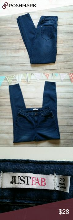 JustFab Skinny Ankle Jeans Excellent condition, worn once. Stretchy, ankle length, don't lose their shape. JustFab Jeans Skinny