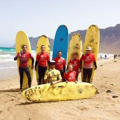Día intenso de surf para nuestros alumnos en la #playa de #Famara #lanzarote  @lasantaprocenter @monchilasanta #surfschool #surfschoollanzarote #surfschoollanzarote #surflesson #surfholidays #surflanzarote #lanzarotesurf #teguise #islascanarias #surfcanarias #surfing #escueladesurf #escuela #clasesdesurf #surfactive http://ift.tt/SaUF9M